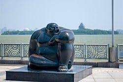 Suzhou statue lake
